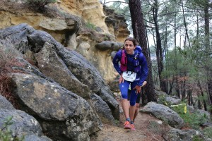 5 Anne-Lise Rousset  2ème  44 km trail du Ventoux 2015 photo Robert Goin
